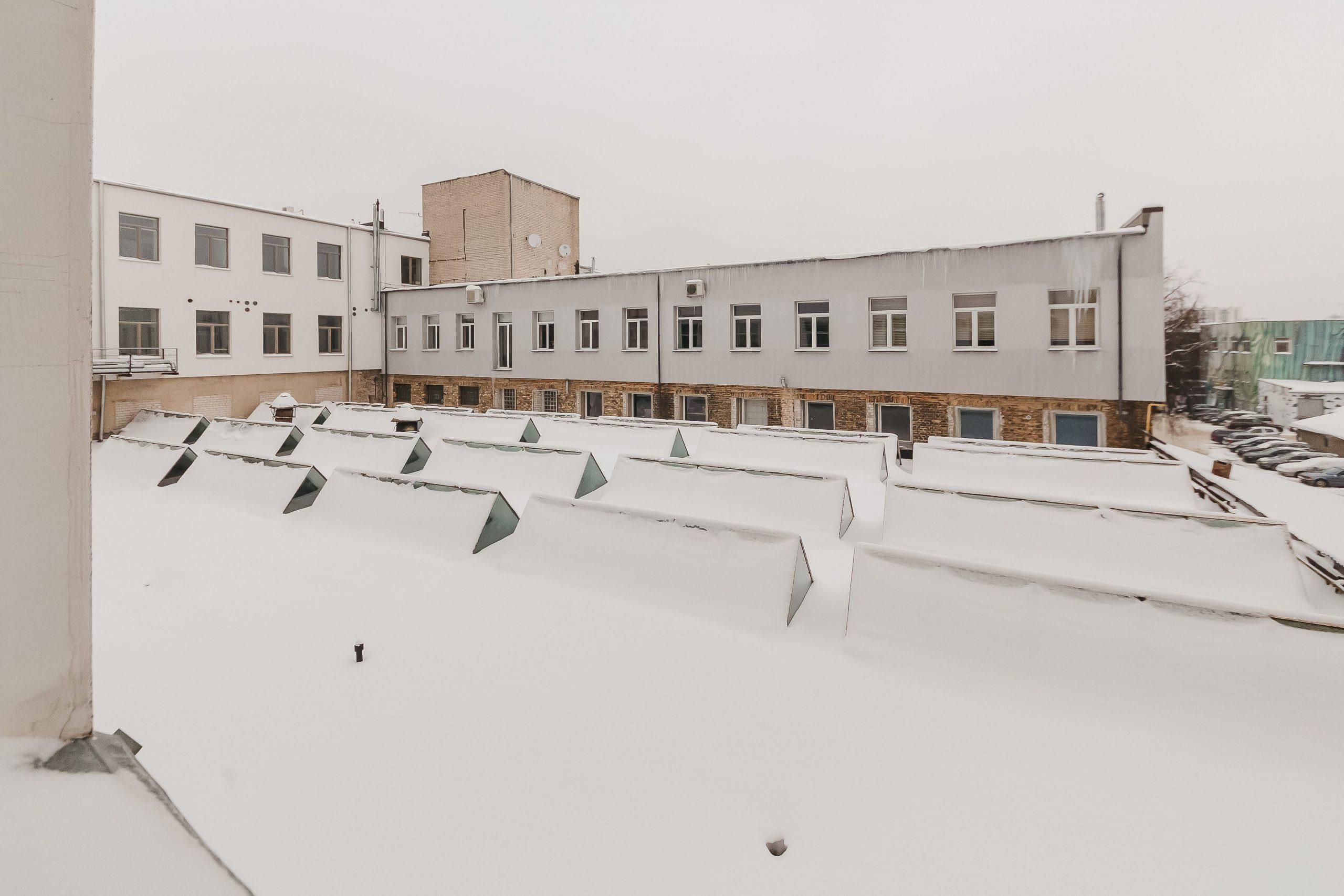 Ankstesnis vaizdas pro Vytenio g. 48 pastato vidinį kiemą