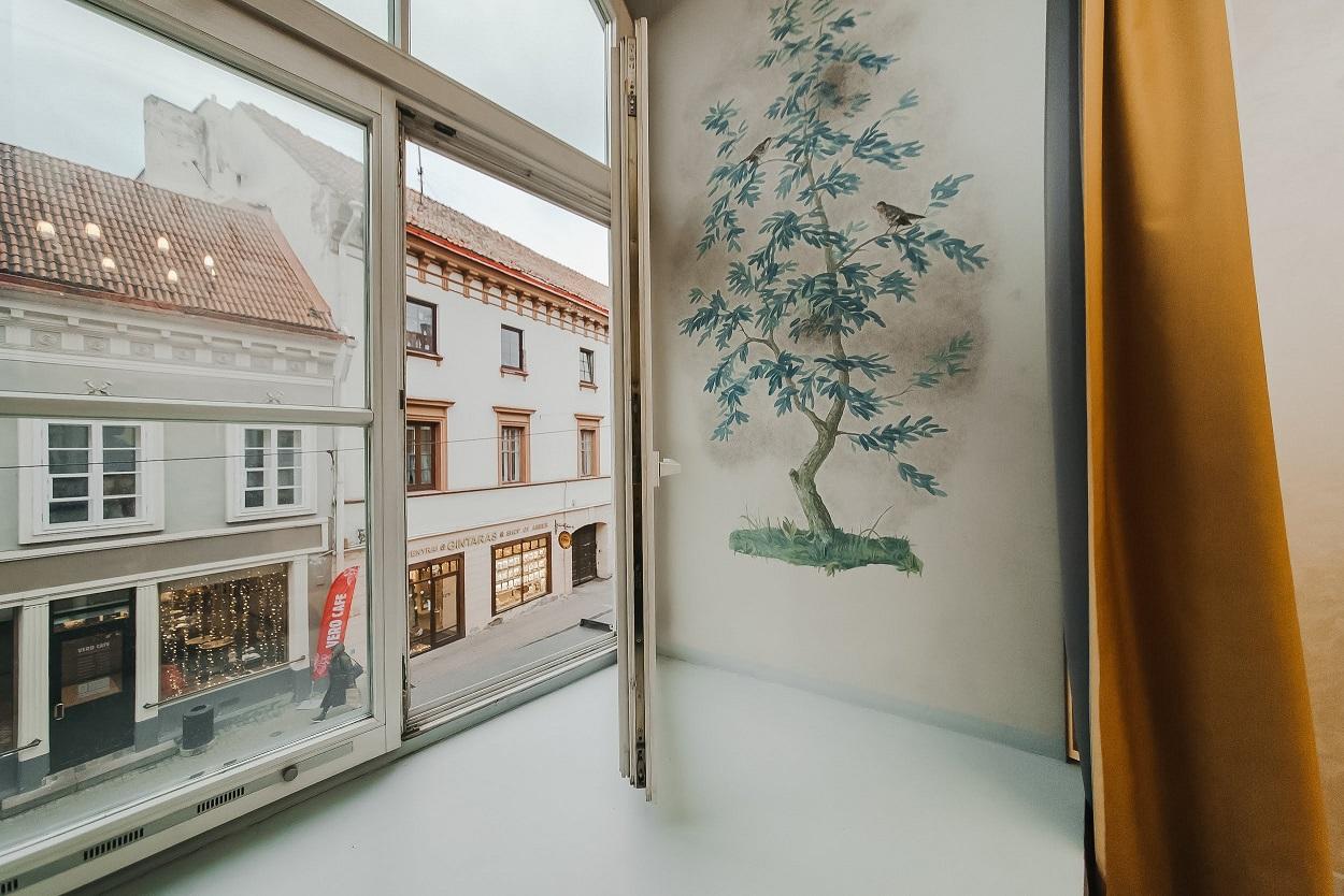 Vaizdas pro langą Pilies g. 10
