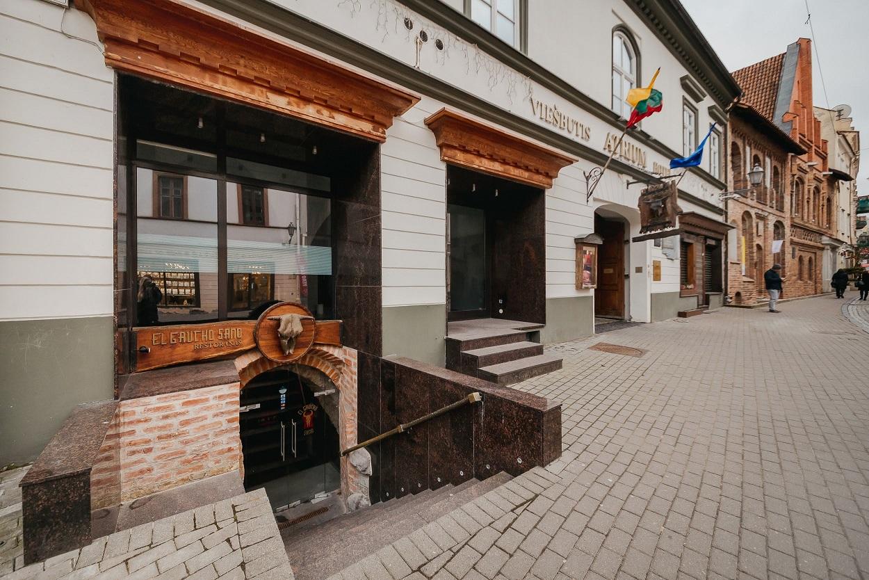 Pilies gatvė, buvusio restorano El Gaucho patalpos