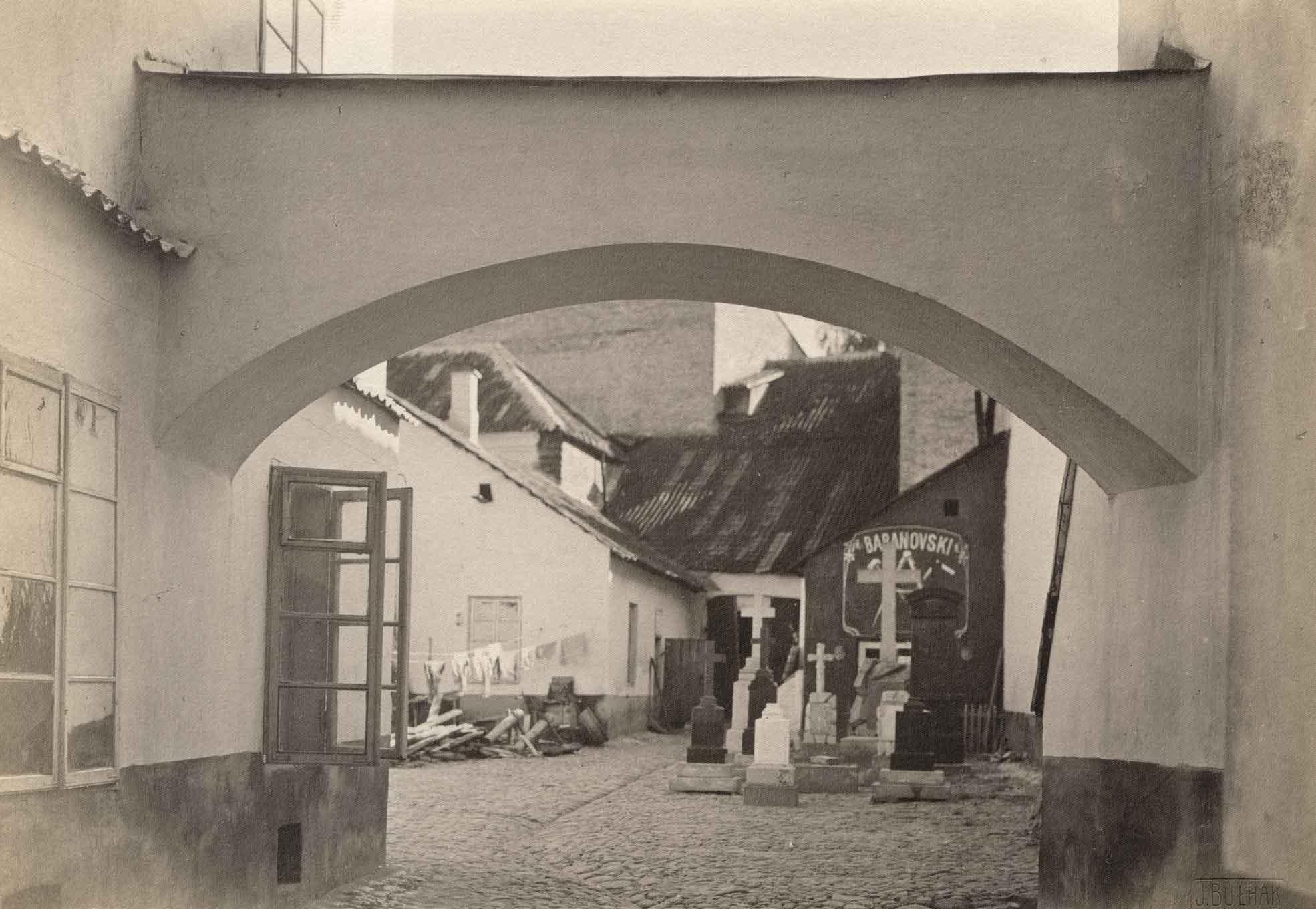 Jan Bułhak (1876–1950) Kiemas Pilies gatvėje. 1914 Lietuvos dailės muziejus